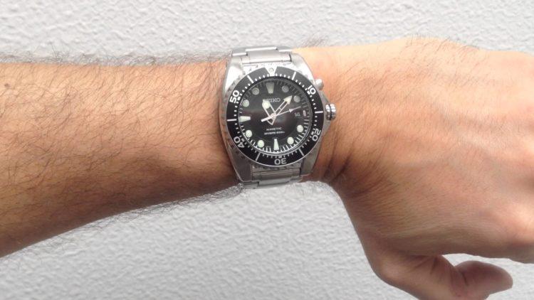 Seiko SKA371 Kinetic Dive Watch Los 5 mejores relojes de buceo Seiko del mercado actual