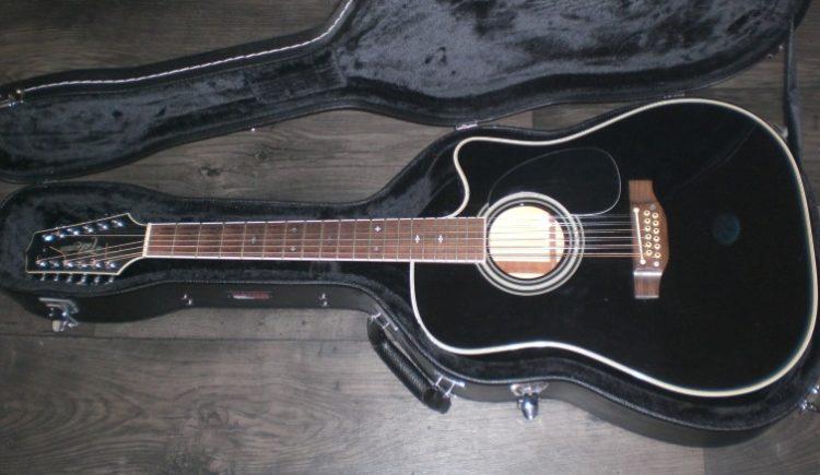 Takamine EF381SC Top 5 guitarras de 12 cuerdas en el mercado hoy