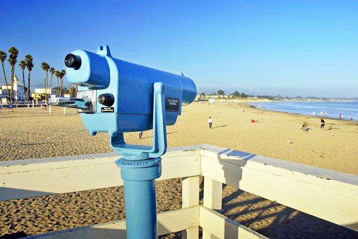 Telescopio con vistas a la playa principal