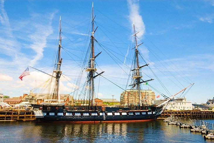 USS Constitution y Bunker Hill (Parque Histórico Nacional de Boston)