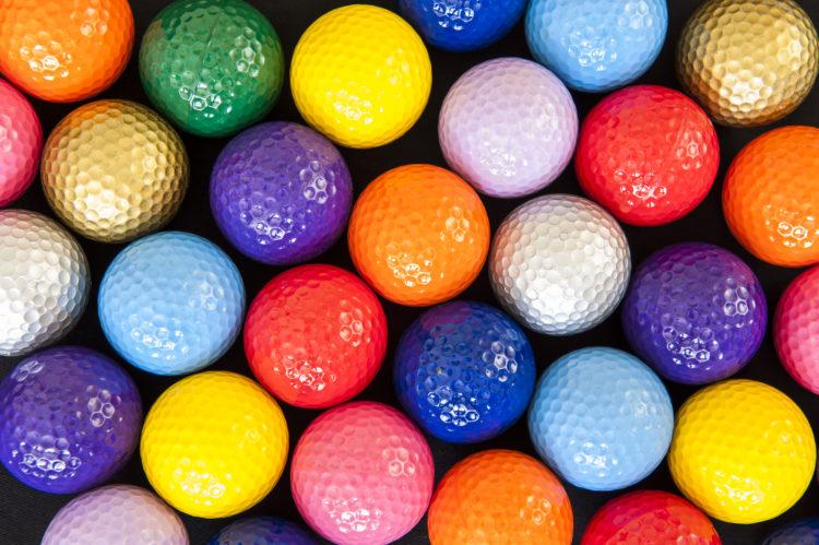 Jugar al minigolf en Golf Gardens