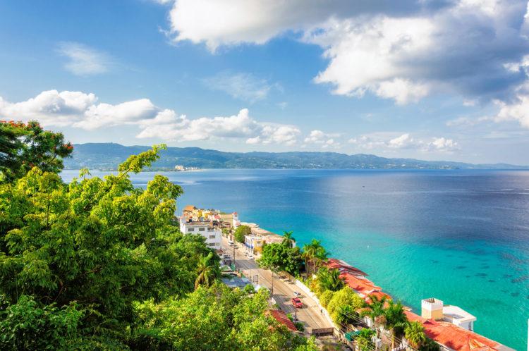 shutterstock 429927517 scaled e1586344195936 Las 20 mejores cosas que hacer en Jamaica para principiantes