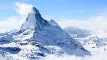 shutterstock 647600527 scaled e1587316908999 Las 20 mejores cosas que hacer en Suiza para principiantes