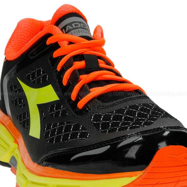 101172071 C0004 C Los cinco mejores modelos de zapatillas Diadora
