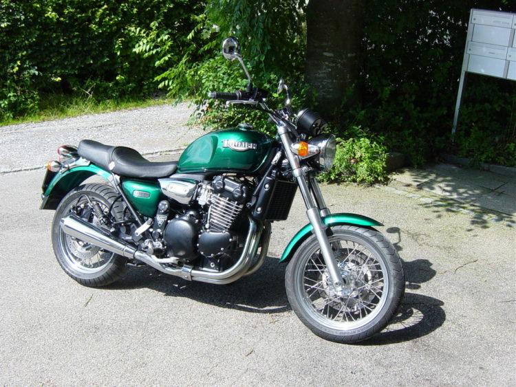 1200px TriumphLegendTT Las cinco mejores motocicletas Triumph de los 90