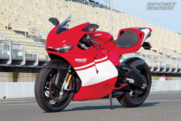 146 1005 01ducati desmocedici 02 Las 10 mejores motocicletas italianas de todos los tiempos