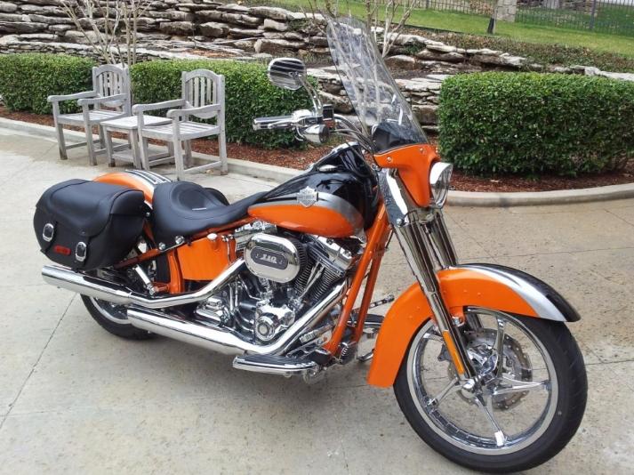 2006 Harley Davidson VRSCSE2 en naranja