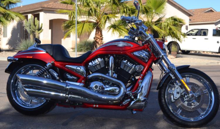 2006 Harley Davidson VRSCSE2 en rojo
