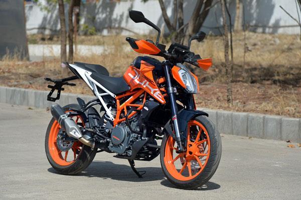 20170621050927 duke390 Cinco impresionantes motos deportivas de la clase 300 para 2019