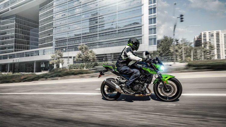 2019 kawasaki z400 abs Cinco impresionantes motos deportivas de la clase 300 para 2019