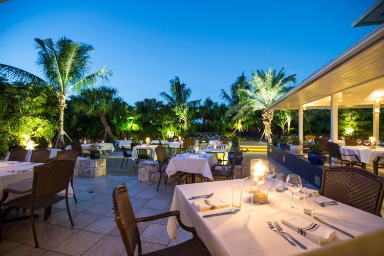4. Dining at Ocean Club 5 razones para amar los Ocean Club Resorts, Islas Turcas y Caicos