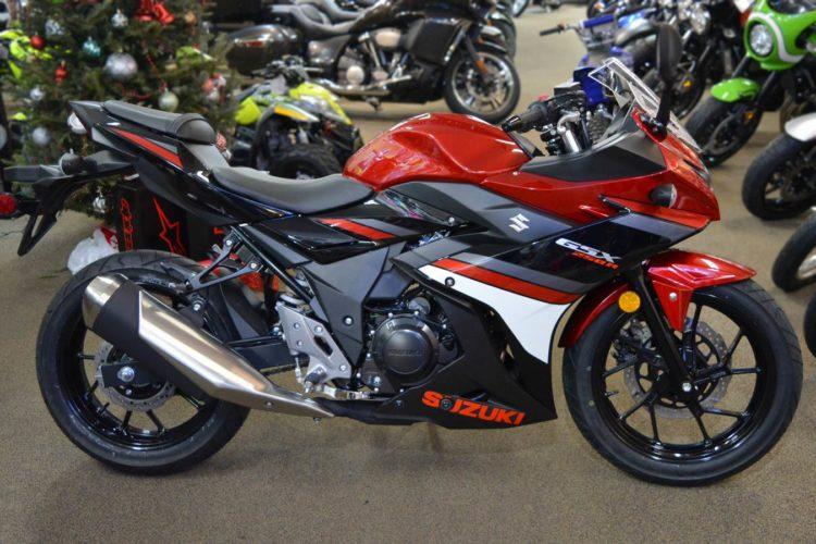 6000000001 Cinco impresionantes motos deportivas de la clase 300 para 2019