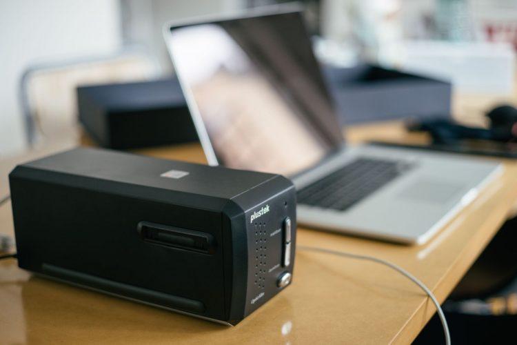 8200i scanner 3 1024x683 Los cinco mejores escáneres de películas del mercado actual