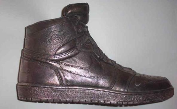 Zapato plateado Air Jordan (autografiado)