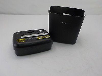 AmazonBasics PBH 49976 15 Sheet Cross Cut Paper CD Credit Card Las cinco mejores trituradoras de papel del mercado actual