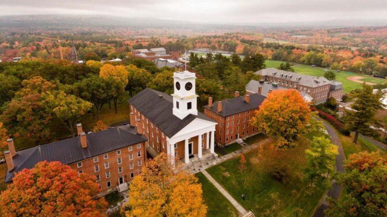 Amherst College 1024x576 Las 20 mejores universidades de artes liberales en los EE. UU. En 2019