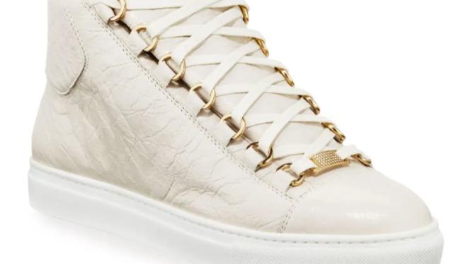 Parte superior alta de piel de becerro Balenciaga (blanco con detalles en oro de 14k)