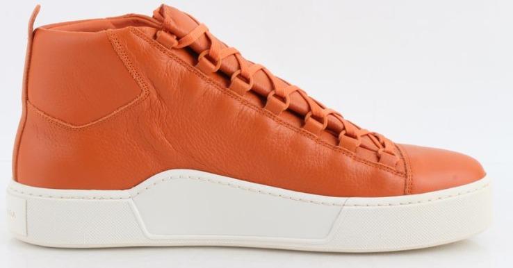 Zapatilla Balenciaga de piel granulada con suela gruesa (naranja)