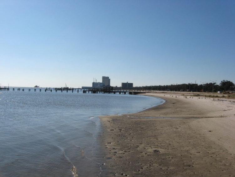 Biloxi MS USA panoramio 4 e1582216718873 Los 10 mejores restaurantes de mariscos en Biloxi, MS