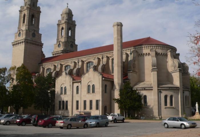Catedral de Santa Cecilia .10 lugares para visitar en Omaha Nebraska para un turista (Actualizado)