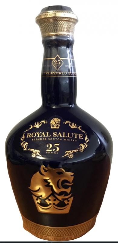 Chivas Regal Royal Salute 25 anos .Las 10 botellas de Chivas Regal más caras 2021