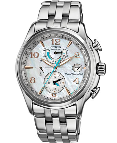 Citizen Womens World Time AT Stainless Steel Eco Drive Watch Los 7 mejores relojes para mujeres por menos de $ 500
