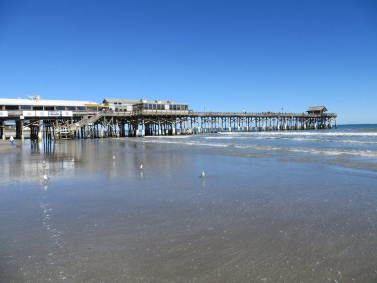 Cocoa Beach Pier Cocoa Beach Florida 002 scaled e1582223079641 Los 10 mejores restaurantes de mariscos en Cocoa Beach, FL
