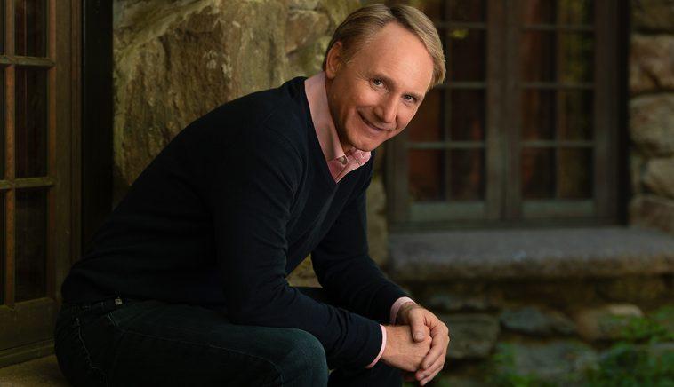 Dan Brown Valor neto del autor Dan Brown $ 160 millones (actualizado para 2020)