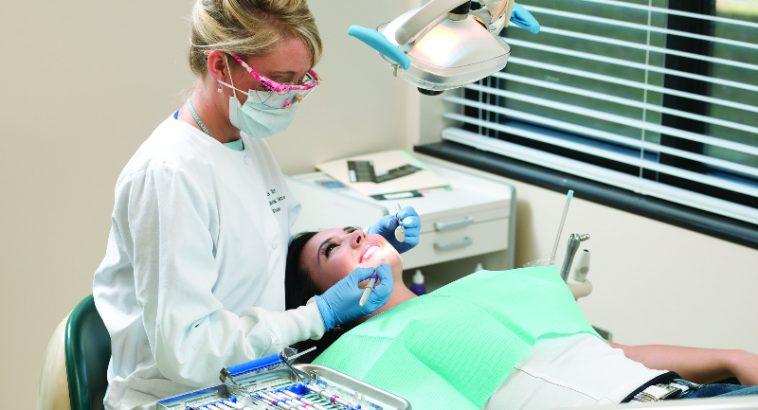 Dental Hygienist Job Cómo convertirse en higienista dental y el salario que se espera