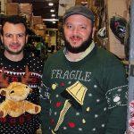 Hajjar Brothers Los dos hermanos que hacen fortuna con feos suéteres navideños