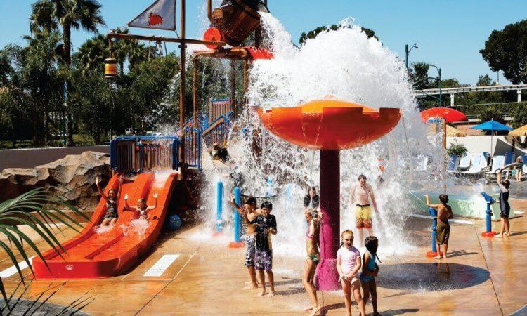 Howard Johnson by Wyndham Anaheim Hotel and Water Playground
