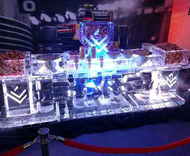 Escultura de hielo con mariscos-e1457393615301