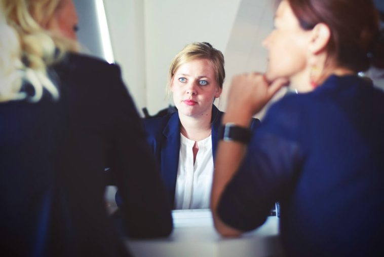 Interview Consejos para emprendedores sobre contratación frente a subcontratación