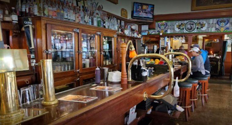 Jakes Famous Crawfish Los 20 mejores restaurantes de mariscos en Portland, Oregón