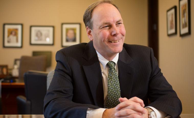 James T. Blackledge 10 cosas que no sabías sobre el director ejecutivo de Mutual of Omaha, James T. Blackledge