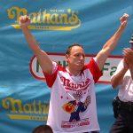 Joey Chestnut Cómo Joey Chestnut logró un patrimonio neto de $ 1.5 millones