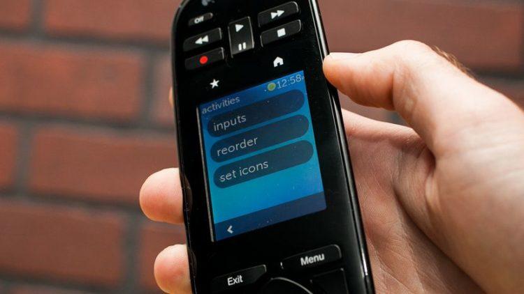 Logitech Harmony Touch 35477657 10 Los cinco mejores controles remotos universales del mercado actual