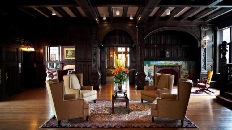 Mansiones en el quinto hotel