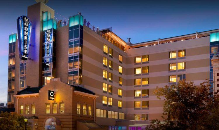Hotel Moonrise