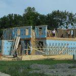 New house under construction Pittsfield Township Michigan e1556132984562 ¿Cuánto tiempo se tarda realmente en reparar y volcar una casa?
