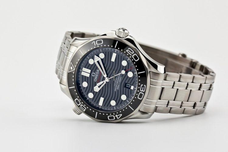 Reloj Omega Seamaster con esfera negra