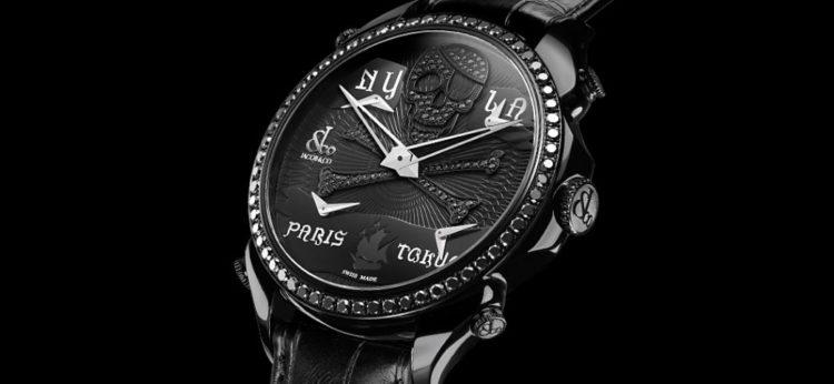 Reloj pirata negro palaciego de cinco zonas horarias