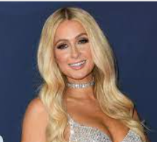 Paris Hilton .El patrimonio de Paris Hilton es de $ 300 millones 2021