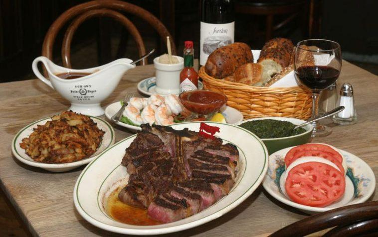 Peter Luger Steak Los 20 mejores restaurantes de carnes en la ciudad de Nueva York