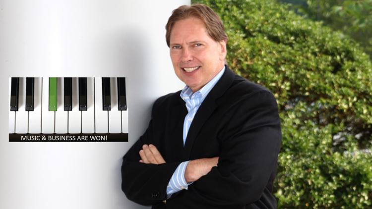 Peter Music keyboard e1551458007619 Se gana la música y los negocios
