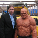 Peter Weedfald Michael Chiklis The Thing on the set of The Fantastic Four e1555324394549 Donde nada queda atrás