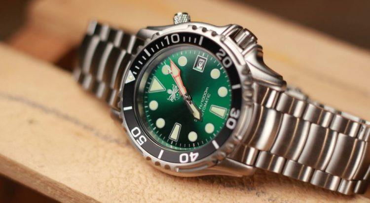 Phoibos Ocean Master PY005B 1000M Reloj automático de buceo