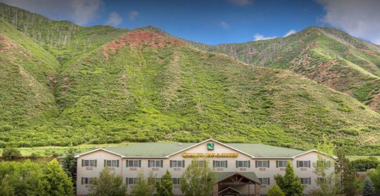 Quality Inn and Suites en el río