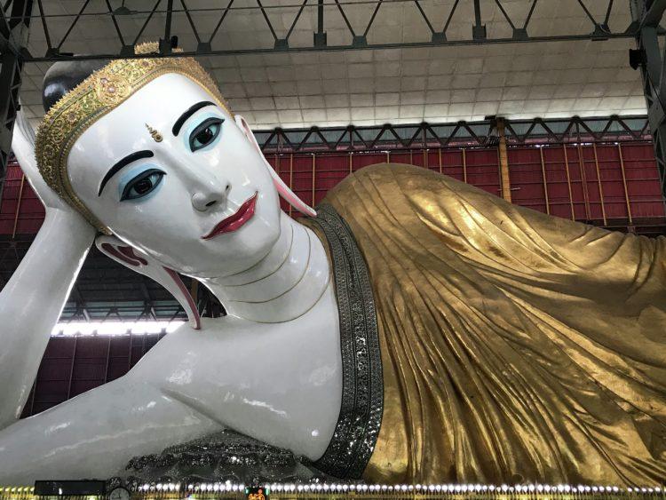 Rangoon Statue Tres días perfectos en Yangon (anteriormente Rangoon)
