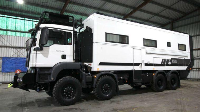 SLRV Commander 8x8 Camper Una mirada más cercana a la caravana SLRV Commander 8x8 de $ 900k